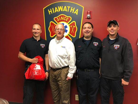 Invisible Fence of Cedar Rapids Donates Project Breathe Pet Oxygen Mask to Hiawatha Fire Department